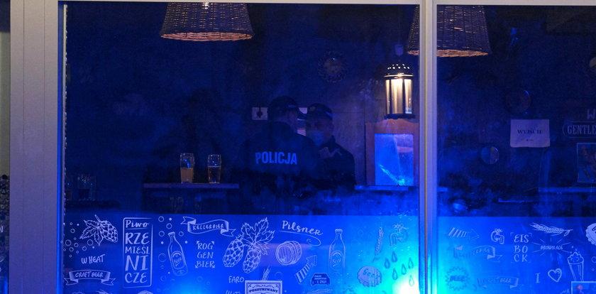 Interwencja policji w zatłoczonym klubie. Przyjechało aż 10 radiowozów