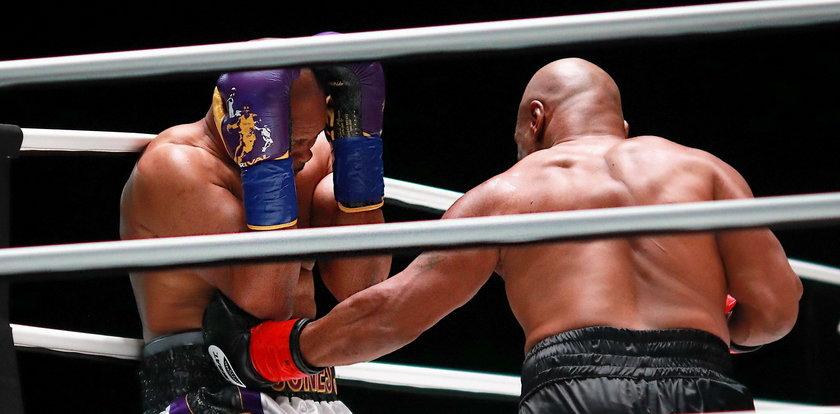 Wielki powrót Mike'a Tysona. Roy Jones Jr. nie dał się znokautować