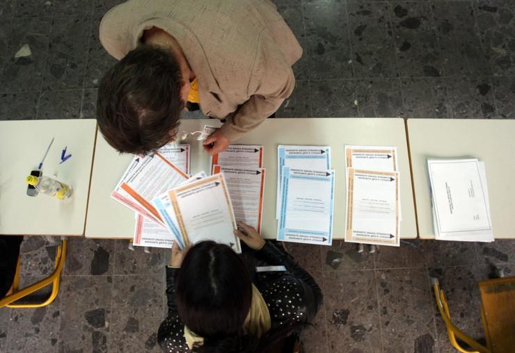 Izbori-glasanje-Foto-D-BOZIC