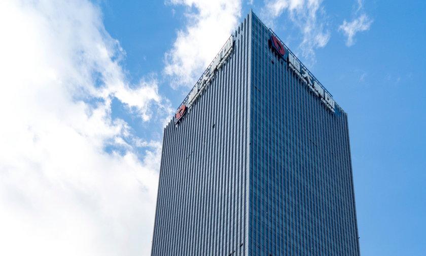 Evergrande ryzyko upadku chińskiego dewelopera, które wpływa na światowe giełdy.