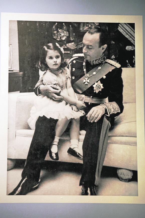 S ocem, knezom Pavlom