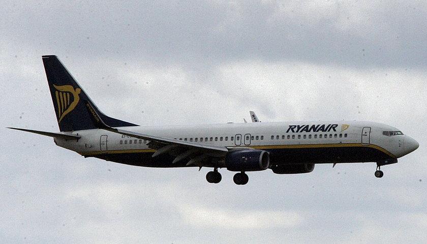 4-latka mogła umrzeć w samolocie, bo jest uczulona na orzechy