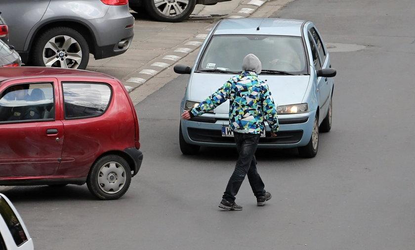 Zróbcie porządek z parkingowymi naciągaczami