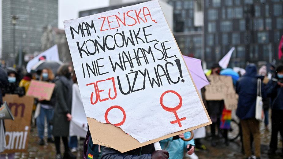 Kobiety chcą używania żeńskich form zawodów. Na zdjęciu: Gdańsk, 07.03.2021