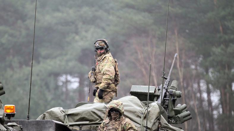 """""""Marsz Dragonów"""" - amerykańscy żołnierze w trakcie przejazdu przez Polskę"""