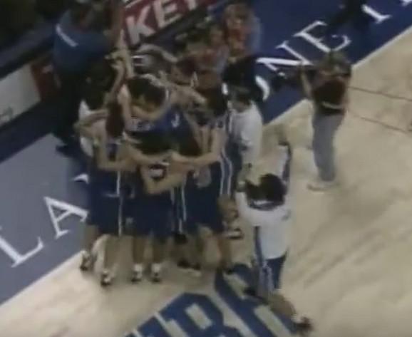 Košarkaši Jugoslavije slave zlato u Indijanapolisu