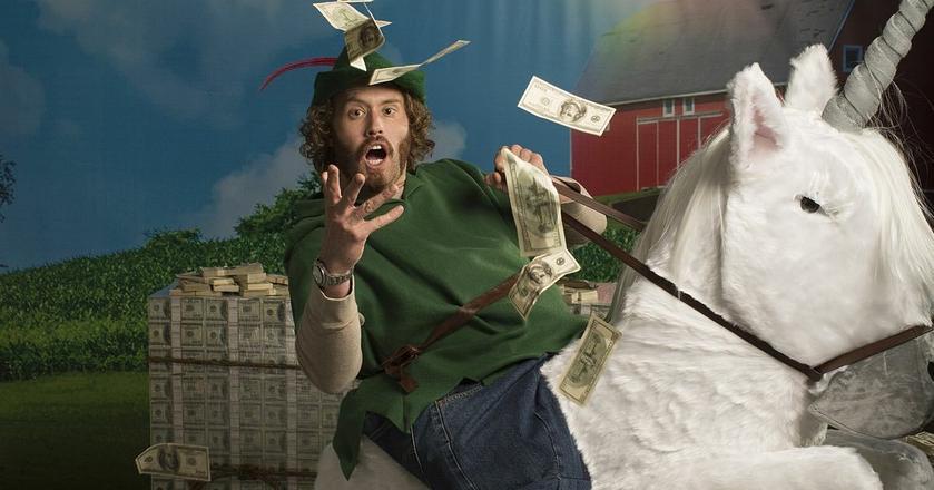 """Erlich Bachman z serialu """"Silicon Valley"""" dużo mówił o tworzeniu milionowych biznesów, ale niewiele robił"""