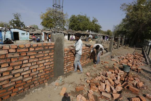 Zid koji se gradi u Indiji