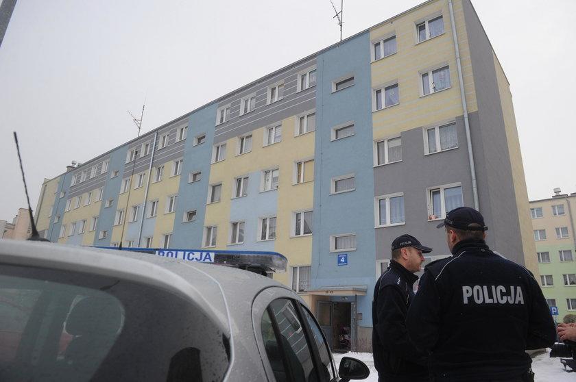 Makabra w Iławie. Ciała noworodków na balkonie