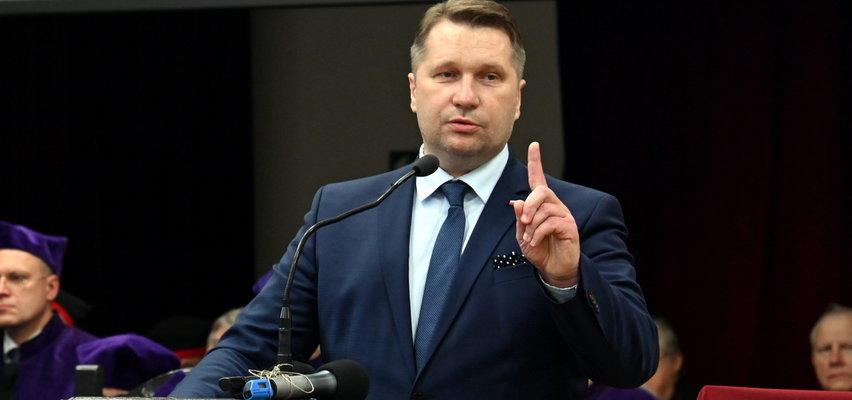 Minister Czarnek wymyślił nowy przedmiot - HiT. Tego już niedługo będą uczyć się licealiści