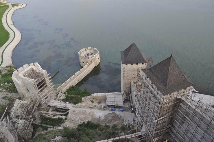 Radovi na obnovi Golubačke tvrđave