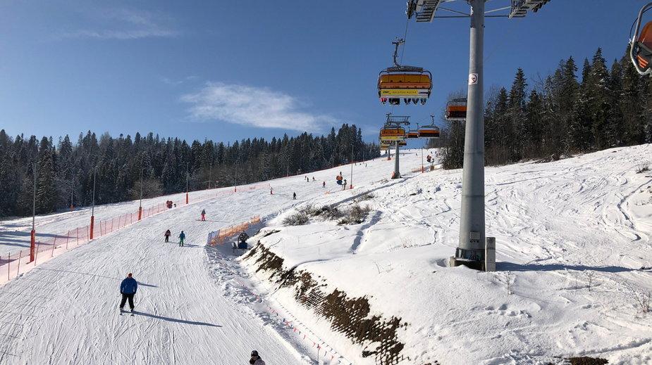 Branża narciarska apeluje o zmianę decyzji ws. ferii; największe stacje przygotowują się do zimy