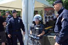 DEFILE KONJANIKA I ORKESTAR Počela centralna proslava obeležavanja Dana policije (VIDEO)