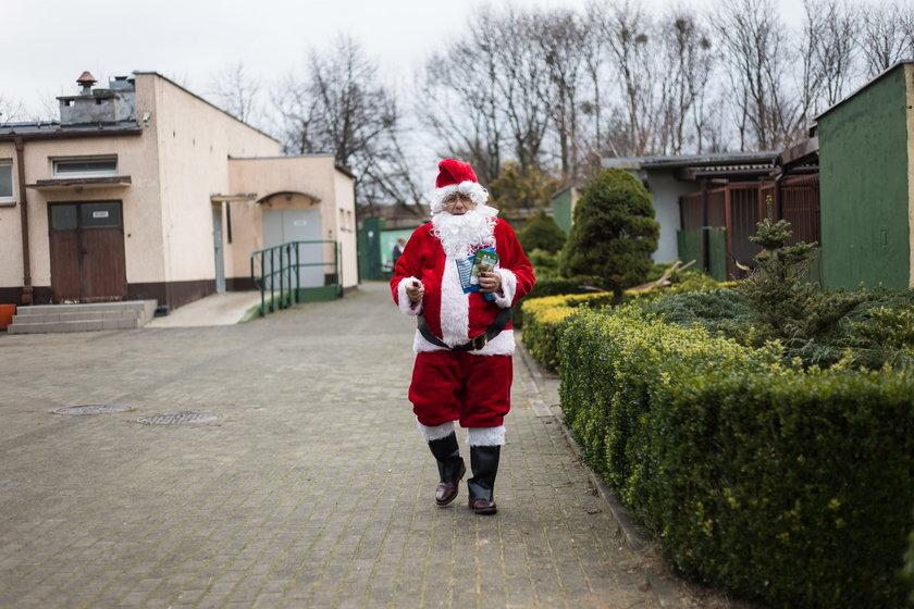 Mikołaj w schronisku w Poznaniu