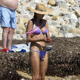 Alessandra Ambrosio w skąpym bikini. Zbyt skąpym?