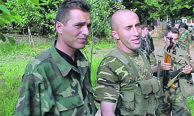 Ramuš Haradinaj (desno)