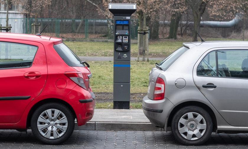 Płatne parkowanie zaczęło obowiązywać na kolejnych poznańskich ulicach.