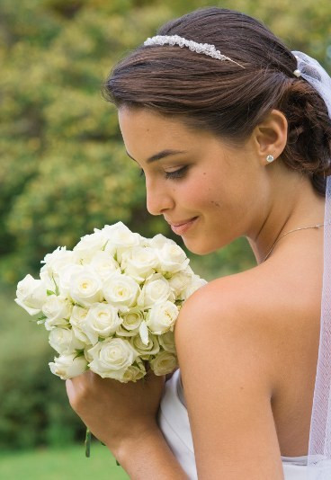 Fryzury ślubne Pod Welonem Dobrze Ułożone