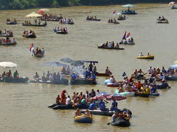 Drinska regata 6. avgusta od Malog Zvornika do Banje Koviljače