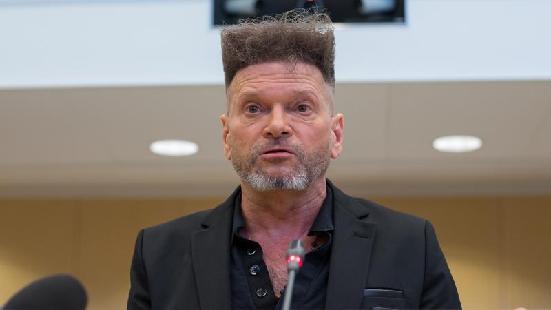 Krzysztof Rutkowski i jego fryzura