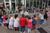 ulicni svirac i deca banjaluka