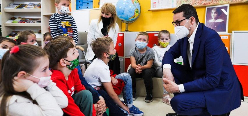 Dzieci odpytały Mateusza Morawieckiego. Premier zdradził, czy był grzeczny i co lubi jeść