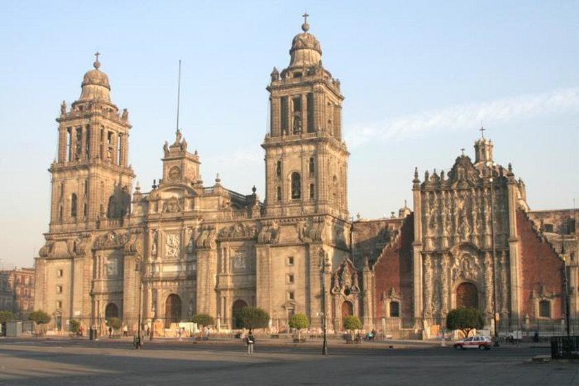 Meksyk. Atak na księdza w katedrze