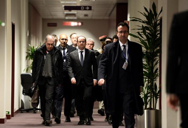 Dyplomaci państw UE podczas szczytu w Brukseli