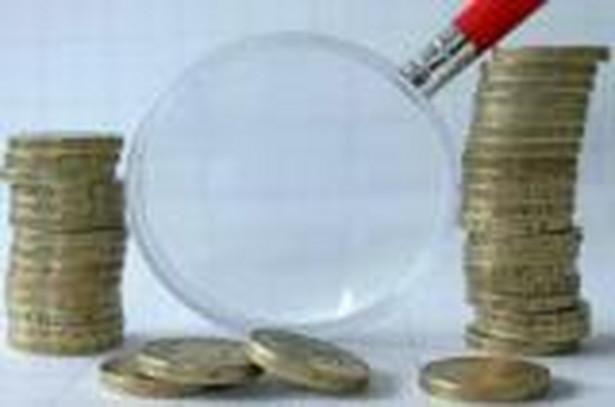 Główny Urząd Statystyczny w ciągu kilku lat zacznie zaliczać do PKB wartość nielegalnej produkcji, czyli tzw. szarą strefę - informuje GUS. Według Instytutu Badań nad Gospodarką Rynkową, zmiana taka poprawi relację długu do PKB.