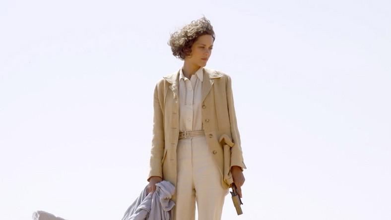 "Marion Cotillard w filmie ""Niebo nad Saharą"""