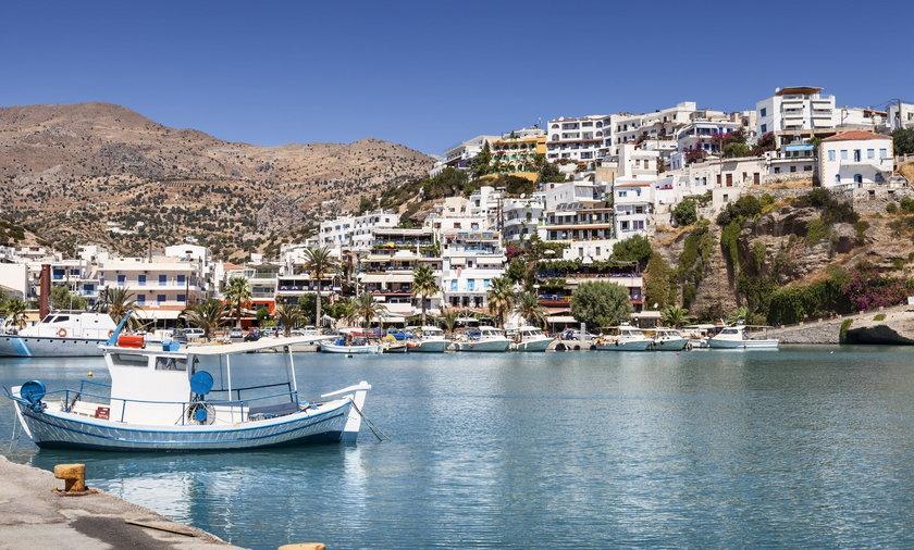 Na zdjęciu port Agia Galini na wyspie Krecie w Grecji.