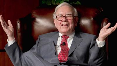 Warren Buffett's Apple stake has soared in value to a record $139 billion. It would be worth $158 billion if the investor hadn't sold any shares.