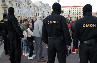 """Białoruś: OMON wdarł się do redakcji """"Narodnej Woli"""""""