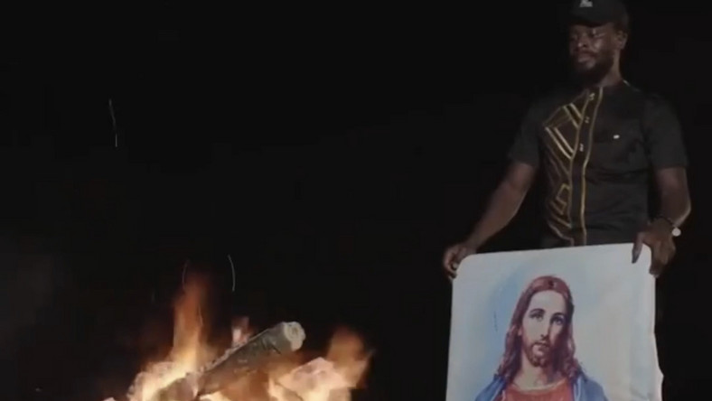 Fuse ODG burns painting of Jesus Christ (VIDEO)