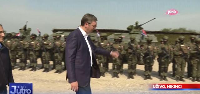 Vučić na vojnoj vežbi