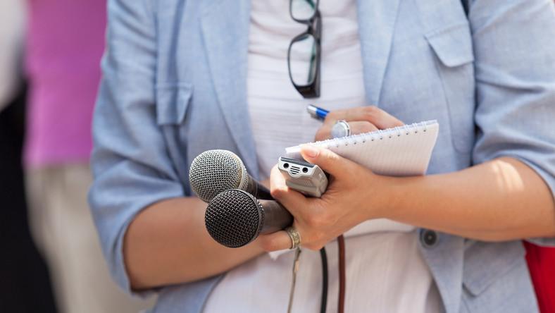 media dziennikarze mikrofon