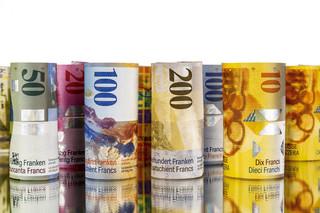 Kredyt we frankach szwajcarskich – co, gdy nie jesteśmy w stanie go spłacać? – aspekty prawne