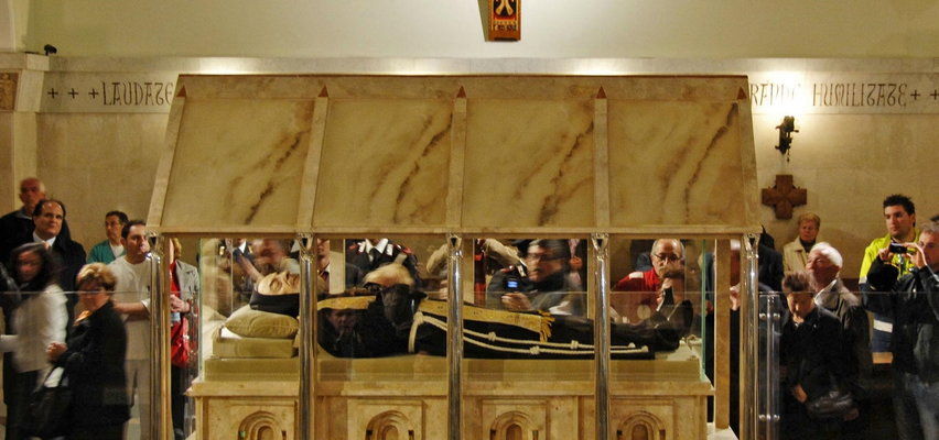 Wszystkie tajemnice ojca Pio. Watykan posądzał go o oszustwo i zdrożne relacje z kobietami