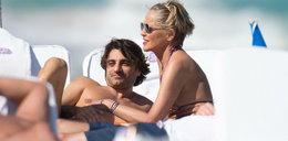 Sharon Stone w objęciach młodszego kochanka