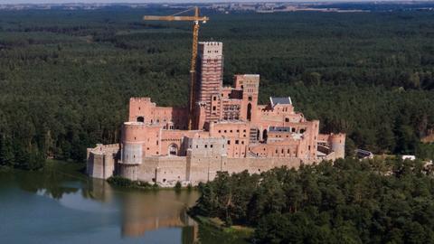 Budowa tzw. zamku w Stobnicy jest prowadzona na obszarze Natura 2000.