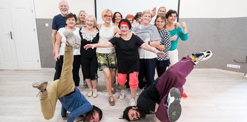 Mają 60+ i tańczą hip-hop. Jedyna taka grupa w Polsce
