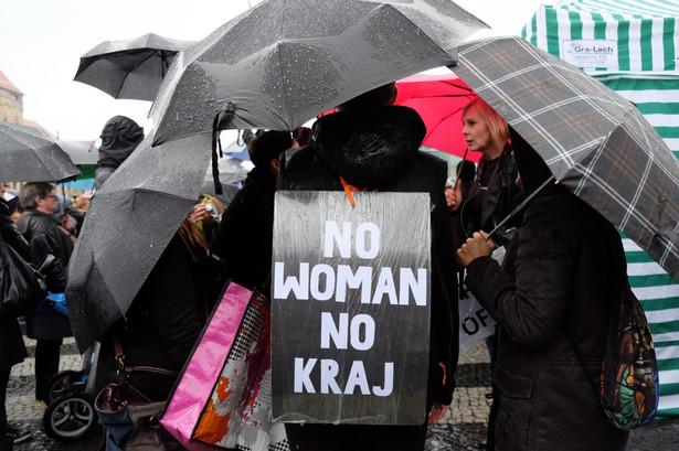 """""""Czarny protest"""" w Poznaniu, PAP/Jakub Kaczmarczyk"""