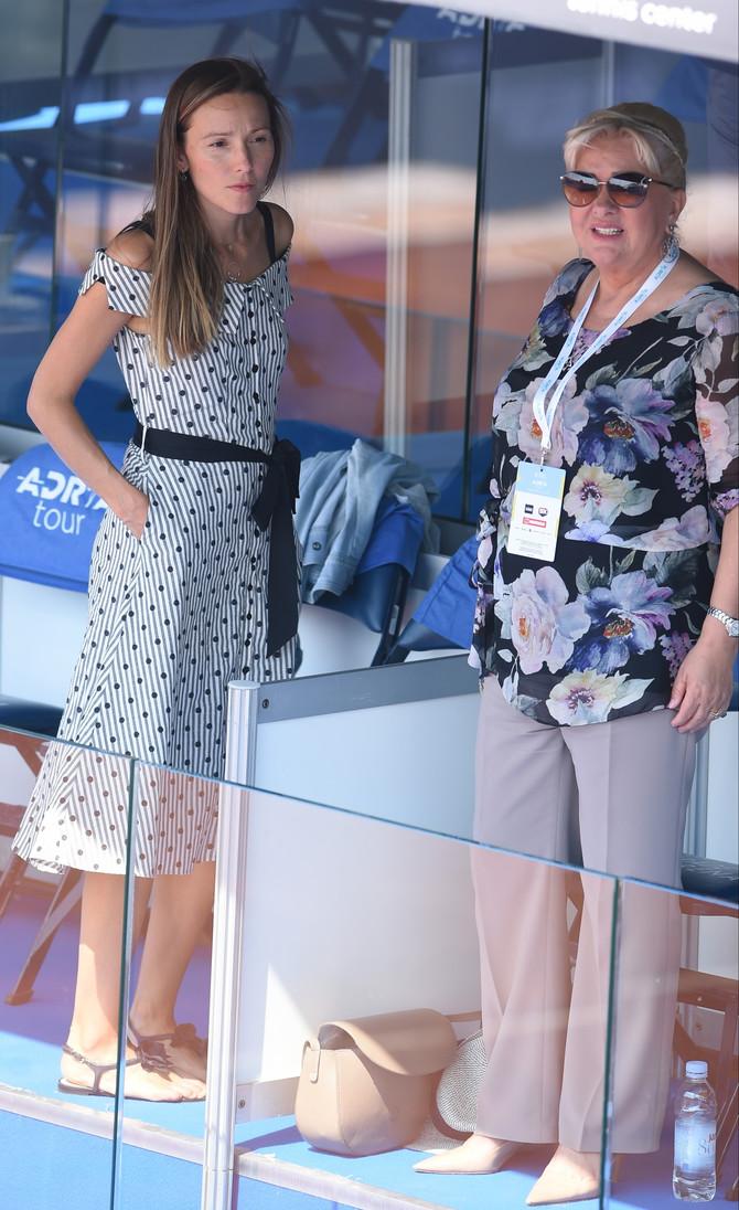 Jelena sa mamom