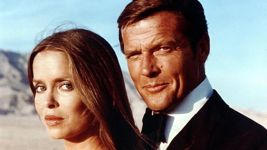"""Roger Moore jako agent 007 (""""Szpieg, który mnie kochał"""")"""