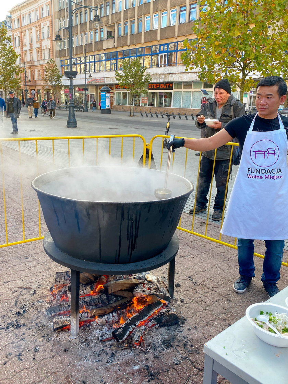 ugotował zupę dla żony