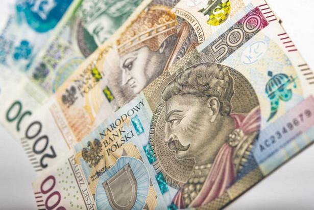 Bank centralny w raporcie przypomniał, że prawo do wyznaczenia nowego wskaźnika ma Komisja Europejska.