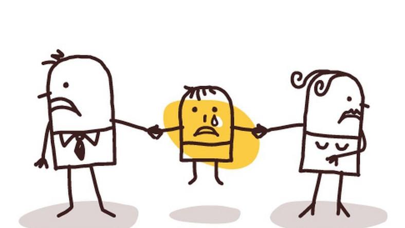 Rozwód rodziców jest powodem cierpienia wielu dzieci.