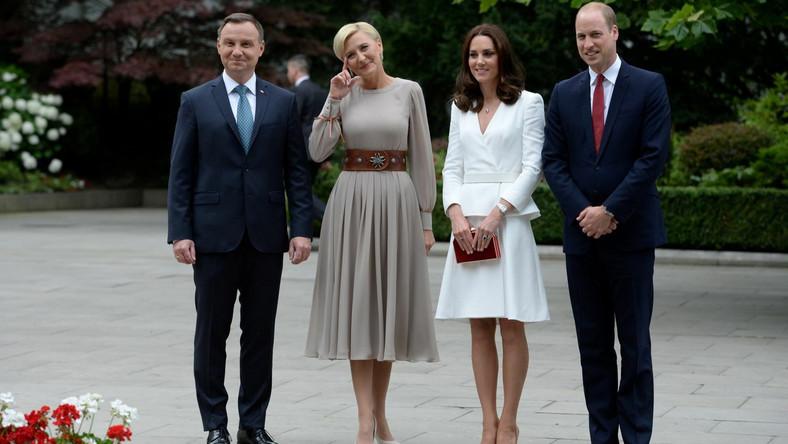 Spotkanie to pierwszy punkt trzydniowej wizyty pary książęcej w Polsce - pierwszej w Europie Środkowo-Wschodniej i pierwszej poza krajami Wspólnoty Narodów, w której biorą udział ich dzieci, książę George i księżniczka Charlotta.