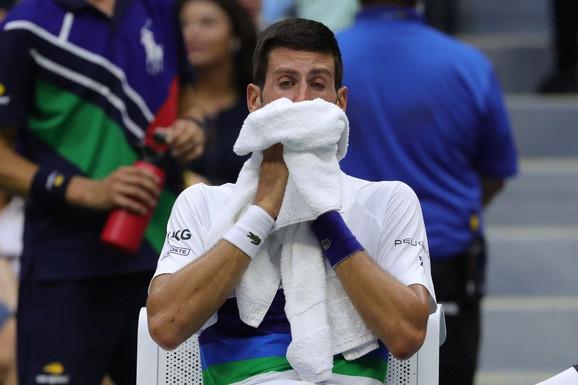 NAPRASNO JE POSTALA POPULARNA U SRBIJI Čuvena sportistkinja plakala zbog Đokovića i nije krila: Ne plačem, ah - ma koga briga