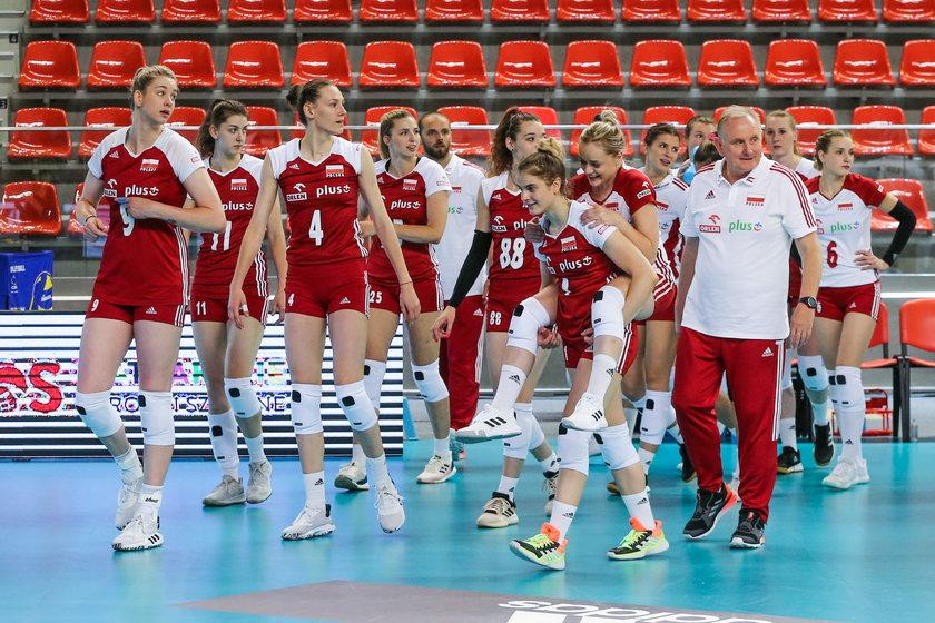 Pod jego wodzą polskie siatkarki po dziesięciu latach przerwy wróciły i do turnieju finałowego Ligi Narodów (wcześniej World Grand Prix), i mistrzostw Europy przed dwoma laty.